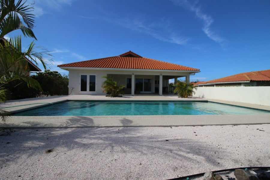 RE/MAX real estate, Curacao, Blue Bay Golf & Beach Resort, BL-12  Beautiful villa with pool overlooking the 18 holes Golf Course