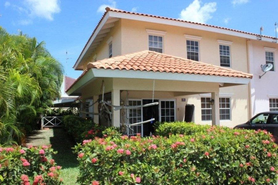 RE/MAX real estate, Curacao, Julianadorp, Julianadorp - Juliana residence J-4 (gated resort)
