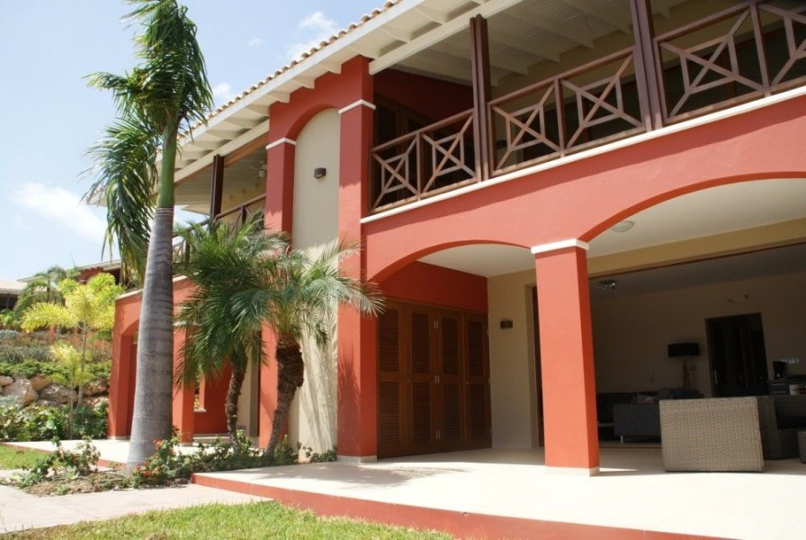RE/MAX real estate, Curacao, Jan Thiel, La Maya Beach: fully furnished apartment on beach front location