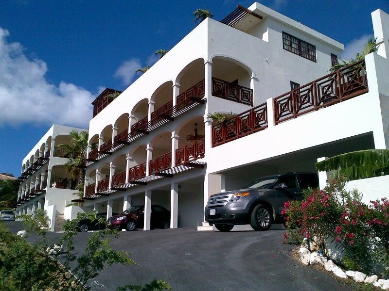 RE/MAX real estate, Curacao, Jan Thiel, Jan Thiel - Brand new apartments with great views and swimming pool