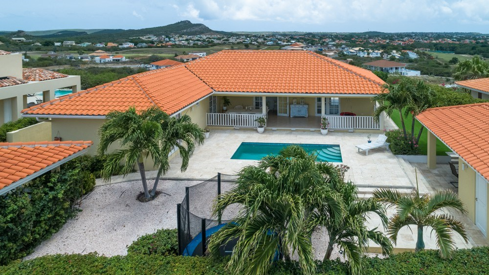 RE/MAX real estate, Curacao, Blue Bay Golf & Beach Resort, Blue Bay - Dream house with beautiful views and private pool