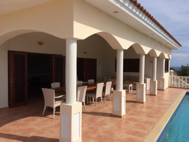 RE/MAX real estate, Curacao, Blue Bay Golf & Beach Resort, Spacious house with gorgeous sea view located at Blue Bay Resort