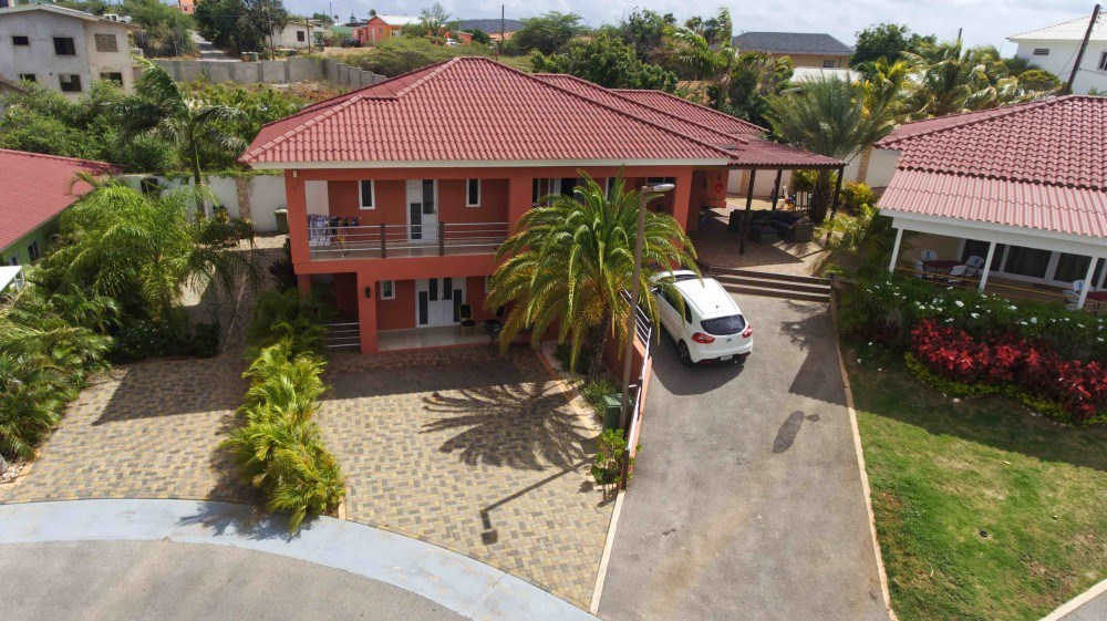 RE/MAX real estate, Curacao, Santa Rosa, Liverpool Resort - Apartment for sale in double house in gated resort