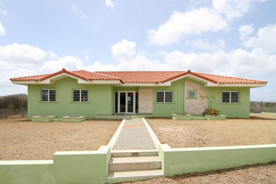 RE/MAX real estate, Curacao, Blue Bay Golf & Beach Resort, Blue Bay Golf & Beach Resort - Spacious 3-bedroom villa with terrace