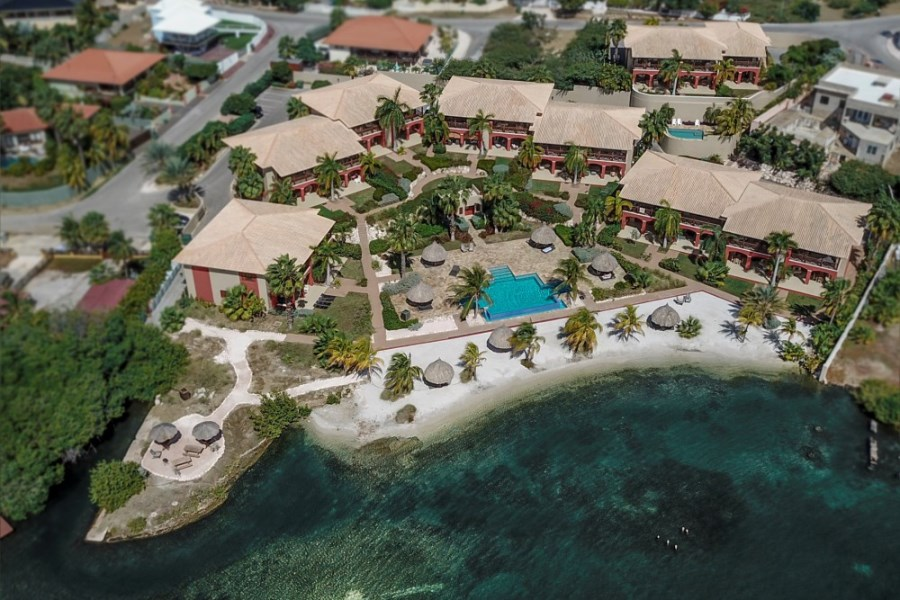 RE/MAX real estate, Curacao, Jan Thiel, Amazing views! For sale: Waterfront condo in Spanish Water Apartments
