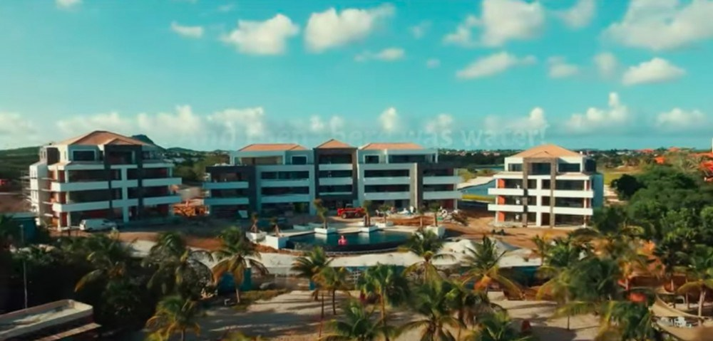 RE/MAX real estate, Curacao, Blue Bay, Great new 3-bedroom apartments on private beach in Curacao for sale
