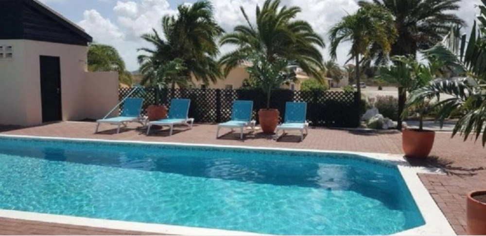 RE/MAX real estate, Curacao, Santa Catharina, Santa Catharina - Curacao - 1 bedroom apartments for sale on resort