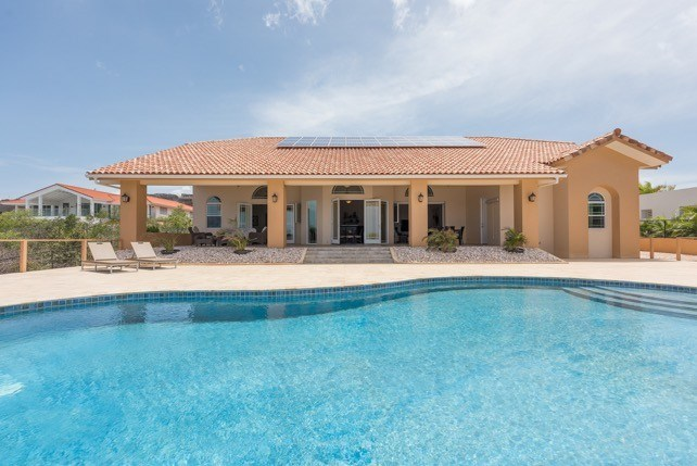 RE/MAX real estate, Curacao, Rif Sint Marie, Ocean front villa with pool for sale - in gated community in Caribbean