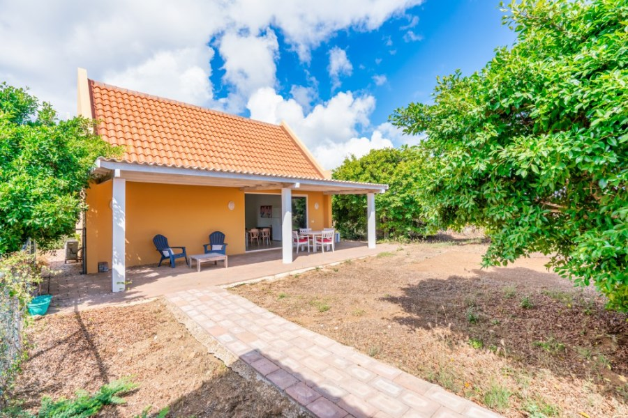 RE/MAX real estate, Curacao, Banda Abou, Banda Bou - 2 bedroom home for rent on resort with horse ranch Curacao