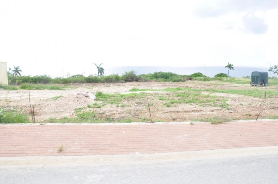 RE/MAX real estate, Curacao, Blue Bay Golf & Beach Resort, Fully owned sea view lot for sale in gated community with golf course