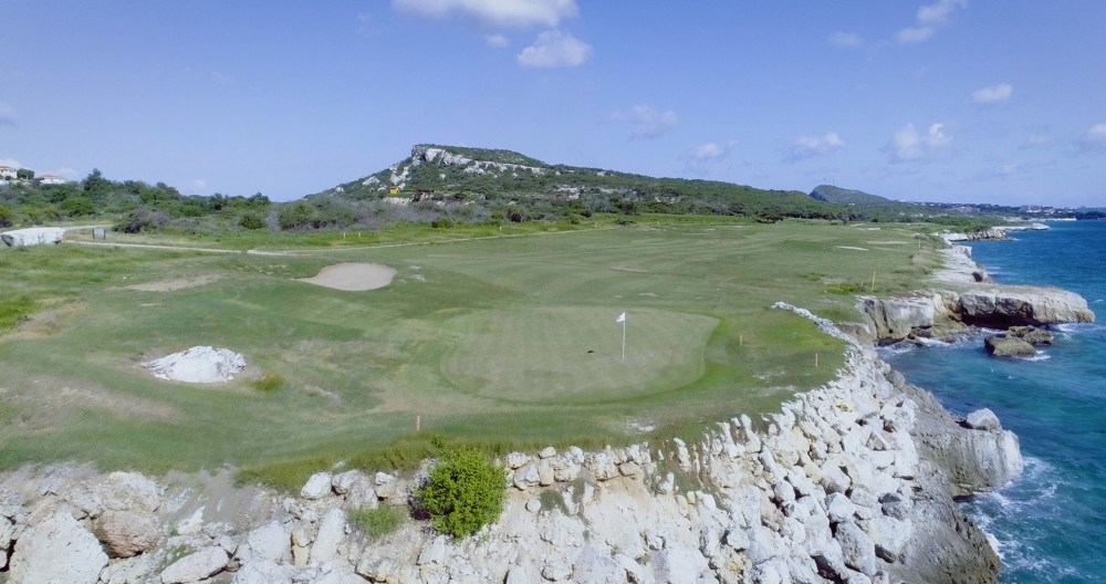 RE/MAX real estate, Curacao, Blue Bay Golf & Beach Resort, Private oceanfront lots for sale in gated golf community in Caribbean