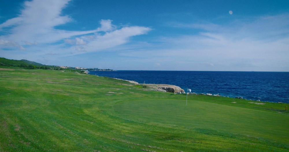RE/MAX real estate, Curacao, Blue Bay Golf & Beach Resort, Ocean Drive 4 Private oceanfront lot-gated golf community in Caribbean