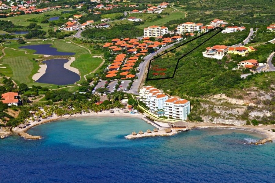 RE/MAX real estate, Curacao, Blue Bay Golf & Beach Resort, BP75 Lot for sale for vacation home - close to beach -rental advantage