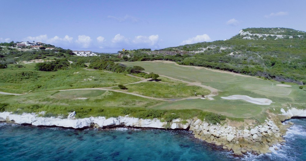 RE/MAX real estate, Curacao, Blue Bay, Exclusive Living - Largest lot at Ocean Drive on Blue Bay Resort