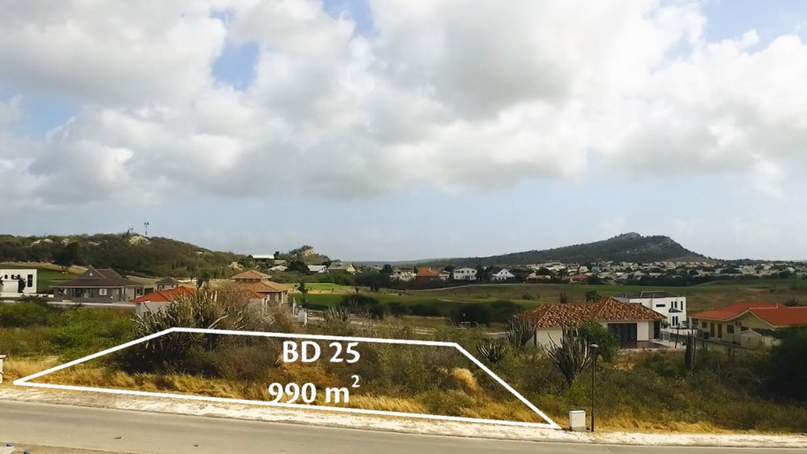 RE/MAX real estate, Curacao, Blue Bay Golf & Beach Resort, Blue Bay - Lot for sale at walking distance to the beach
