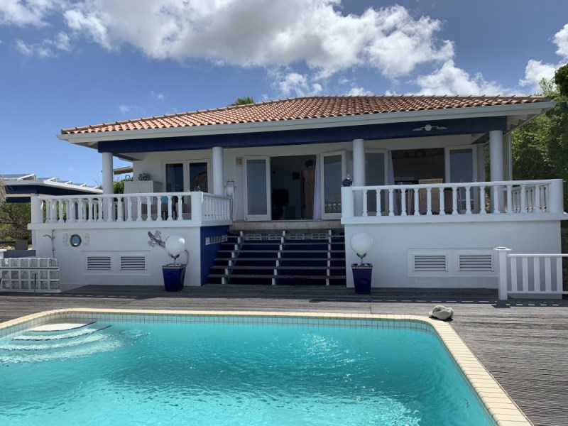 RE/MAX real estate, Curacao, Rif Sint Marie, Rif St. Marie - Family house with pool and gorgeous sea views for sale