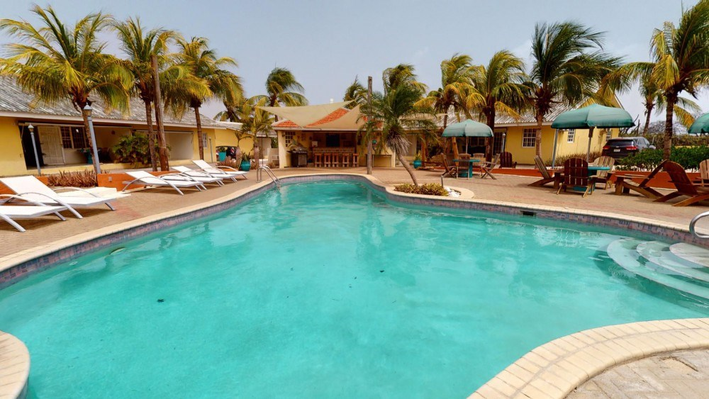 RE/MAX real estate, Curacao, Julianadorp, Large, centrally located vacation resort with private living residence