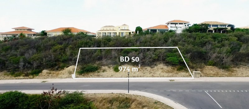RE/MAX real estate, Curacao, Blue Bay Golf & Beach Resort, BD 50 - Nice and centrally located lot for sale on Blue Bay