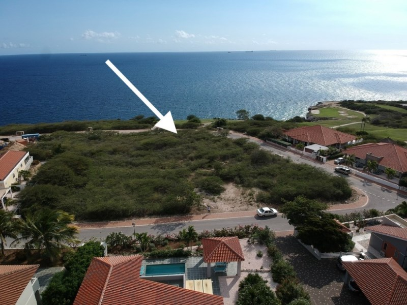 RE/MAX real estate, Curacao, Blue Bay, Blue Bay lot no. BB-51 offers amazing ocean views and privacy!