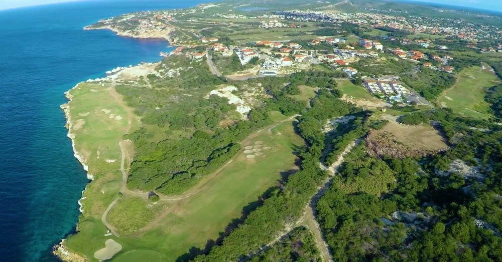 RE/MAX real estate, Curacao, Blue Bay Golf & Beach Resort, Ocean Drive 6 Spacious private lot for sale - oceanfront at Blue Bay