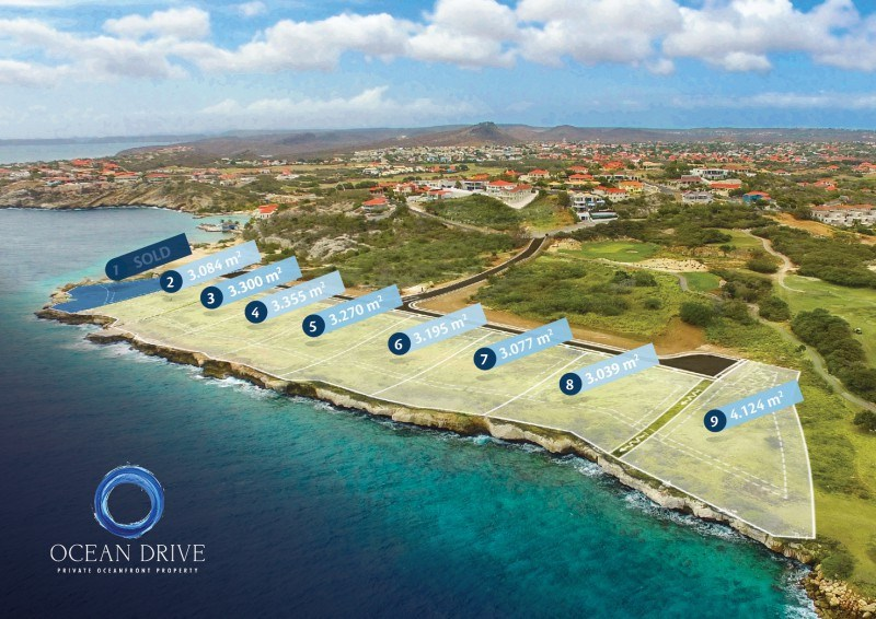 RE/MAX real estate, Curacao, Blue Bay Golf & Beach Resort, Ocean Drive 5 Ruime kavel - 42 meter breed aan de kustlijn!