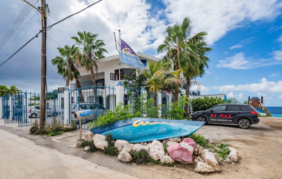 RE/MAX real estate, Curacao, Sint Michiel, Boca Sami - 7 seaside apartments with hotel and diving business