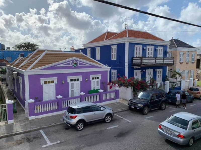 RE/MAX real estate, Curacao, Otrobanda, Monumental property with 5 bedrooms in the heart of Willemstad