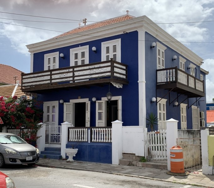 RE/MAX real estate, Curacao, Otrobanda, Monument for sale in heart of Willemstad - great for rentals