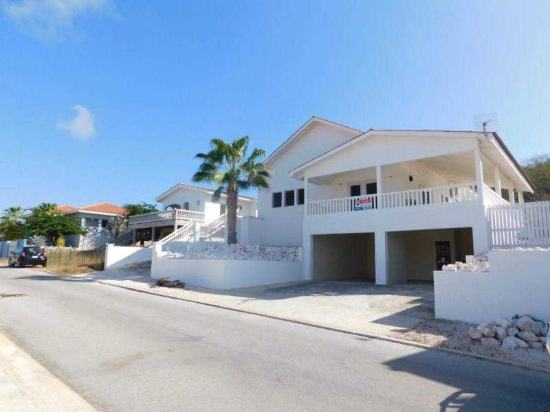 RE/MAX real estate, Curacao, Fontein, Fontein - Beautiful villa with pool, sea views, and apartment