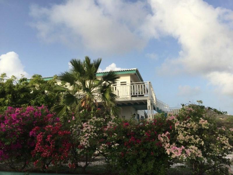 RE/MAX real estate, Curacao, Westpunt, Sfeervolle 4-slaapkamer verdiepingswoning Playa Kalki met zeezicht