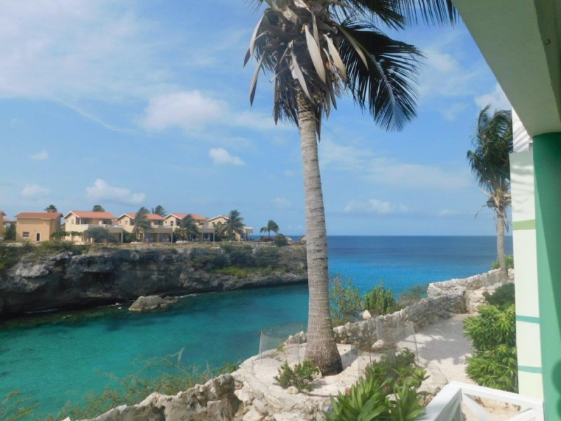 RE/MAX real estate, Curacao, Banda Abou, Lagoon Ocean Resort - Ocean front apartment for sale