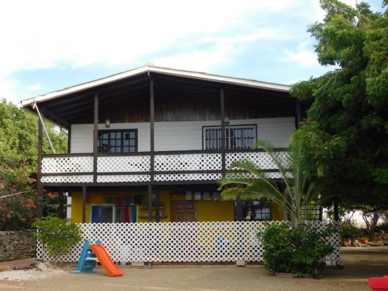 RE/MAX real estate, Curacao, Banda Abou, Tera Cora - elevated house with office and lovely view on the north coast
