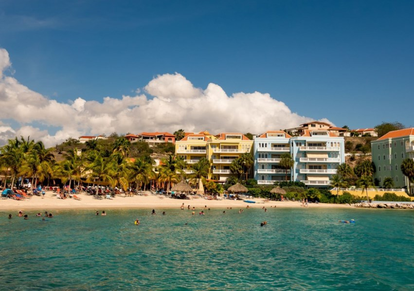RE/MAX real estate, Curacao, Blue Bay Golf & Beach Resort, Beautiful three bedroom apartment with sea view next to Blue Bay beach