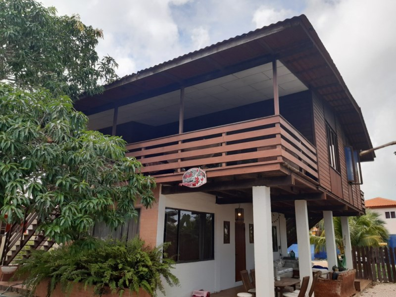 RE/MAX real estate, Curacao, Sunset Heights, Charming family home in Sunset Heights, with swimming pool.