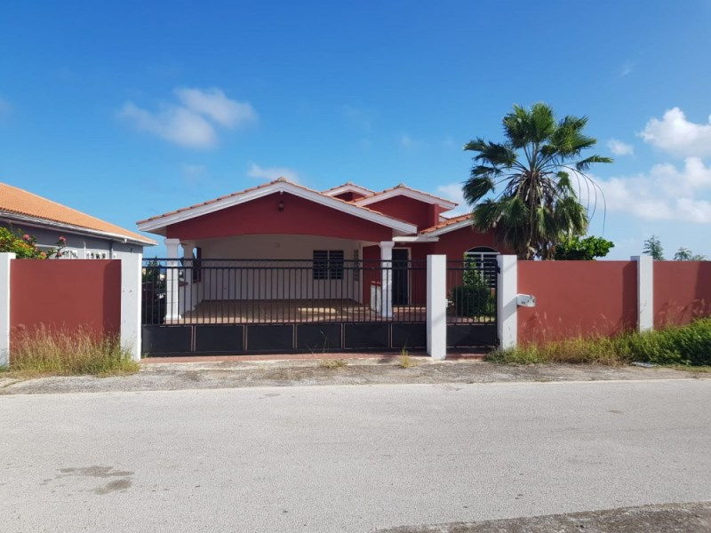 RE/MAX real estate, Curacao, Grote Berg, Grote Berg - House for sale with apartment and beautiful sea view