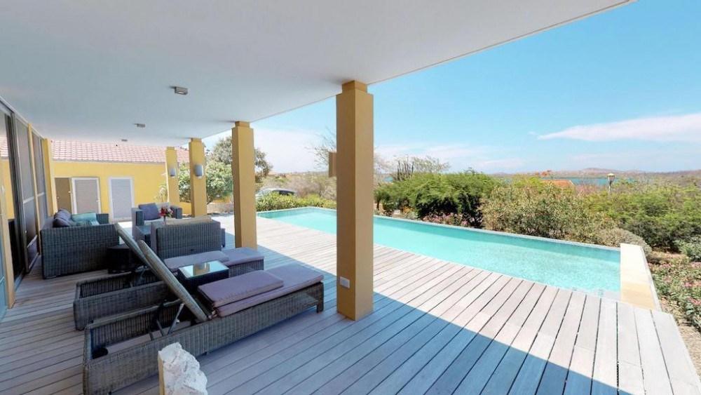 RE/MAX real estate, Curacao, Santa Barbara, Seru Boca Estate - Contemporary villa for rent on exclusive resort