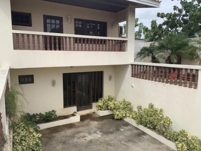 RE/MAX real estate, Curacao, Cas Grandi, Cas Grandi - Spacious family villa with apartment