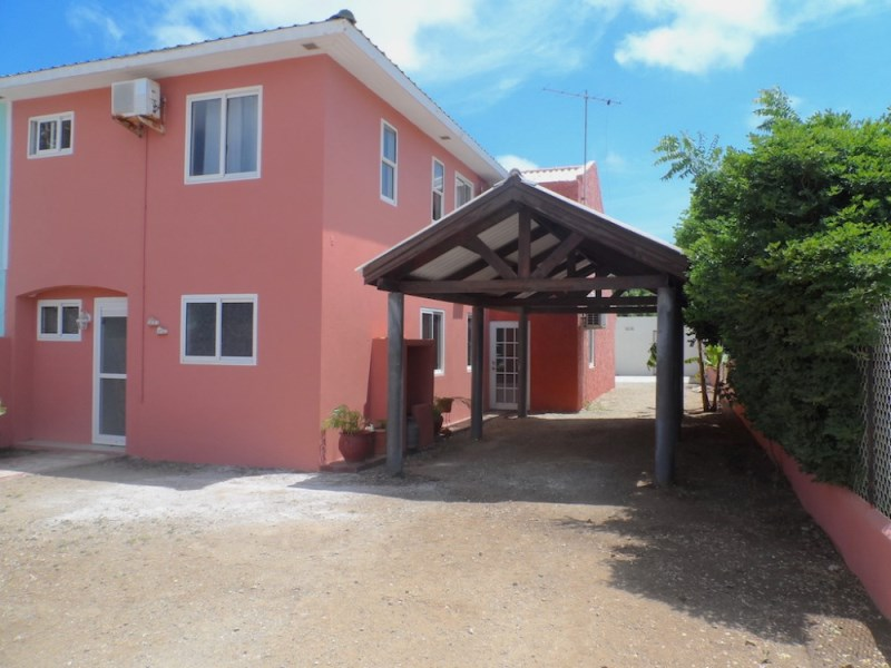 RE/MAX real estate, Curacao, Semikok, Semikok - Three bedroom family home for sale