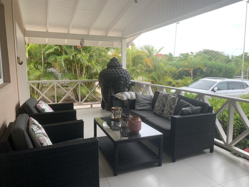 RE/MAX real estate, Curacao, Brakkeput Abou, Recompensa Park: 4 bedroom house in gated community with swimming pool