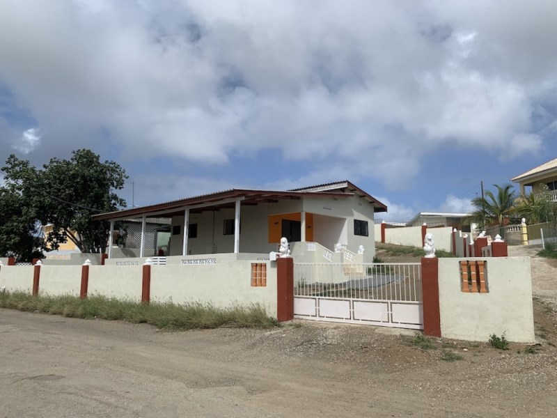 RE/MAX real estate, Curacao, Santa Catharina, Santa Catharina - 3-bedroom home for rent
