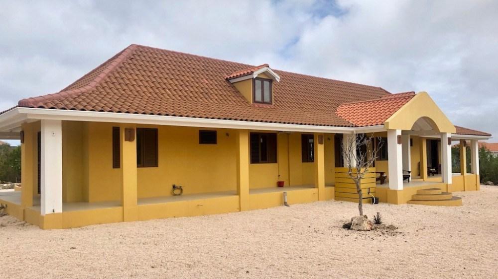 RE/MAX real estate, Curacao, Rif Sint Marie, Rif St. Marie - Unique 4-bedroom villa on beautiful plot