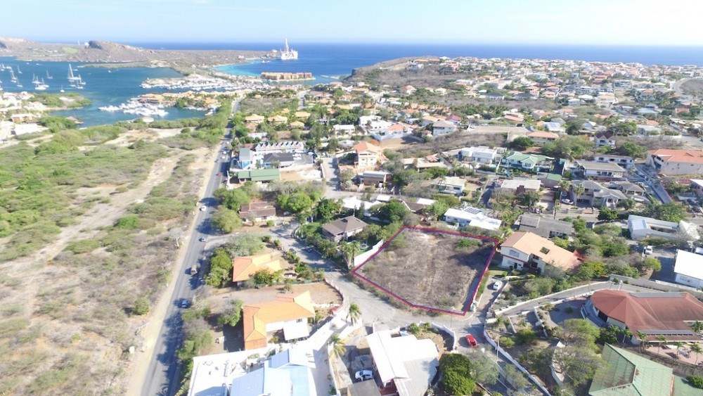 RE/MAX real estate, Curacao, Jan Thiel, Jan Thiel - double elevated lot walking distance to Caracasbaai beach
