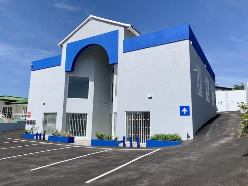 RE/MAX real estate, Curacao, Salinja, Dr. Maalweg/ Saliña - Commercial building including studio apartment