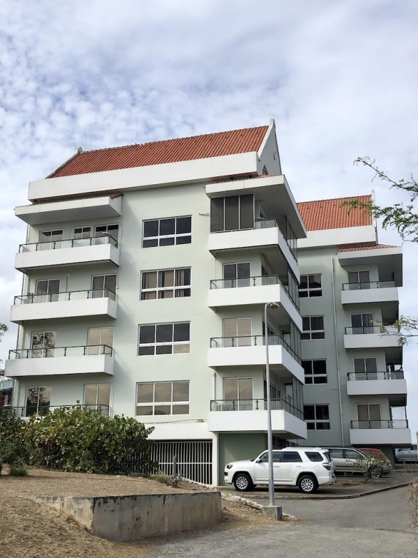 RE/MAX real estate, Curacao, Parera, Ara Hill Top Building - Office spaces for rent with spectacular views