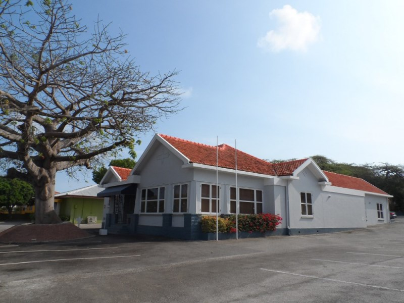 RE/MAX real estate, Curacao, Salinja, Schottegatweg Oost - Centrally located office building for rent