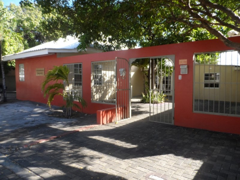 RE/MAX real estate, Curacao, Steenrijk, Grebbelinieweg - Furnished office space for rent