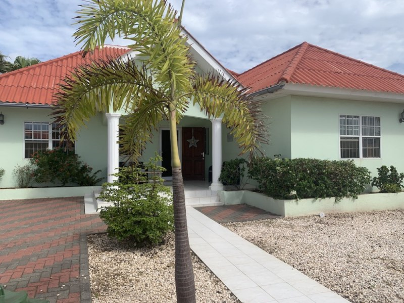 RE/MAX real estate, Curacao, Koraal Partier, Koraal Partier - 4-bedrooms house for rent