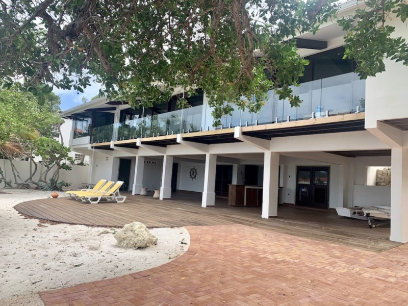 RE/MAX real estate, Curacao, Jan Sofat, Jan Sofat - Beautiful oceanfront home for rent