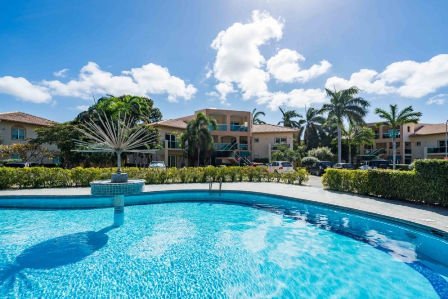 RE/MAX real estate, Curacao, Gaito, Unique penthouse with 4 bedrooms, 3 bathrooms and 4 terraces.