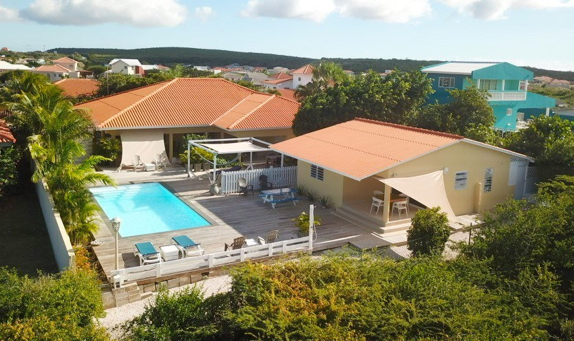 RE/MAX real estate, Curacao, Grote Berg, Grote Berg - Renovated villa with swimming pool and apartment